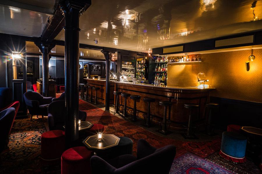 joyeux-bordel-photo-credit-addie-chinn-shoreditch-cocktail-bar-experimental-cocktail-club-ecc-curtain-road-cocktail-interior